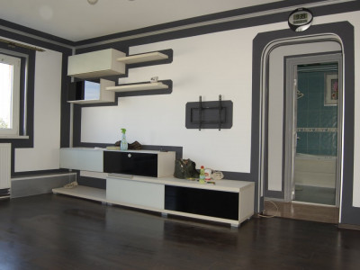 Inel 2- Apartament cu 2 camere , centrala gaze .