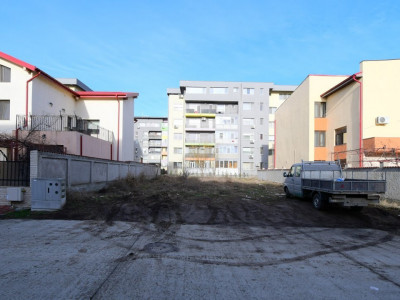 Tomis Plus – str. Hanovra – Teren 445mp/16,23m - intre vile